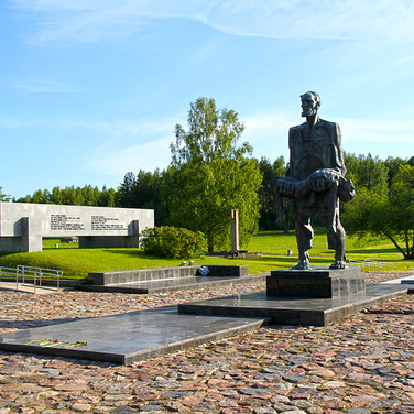 Private tour from Minsk to Khatyn memorial, Stalin line complex, Mound of Glory