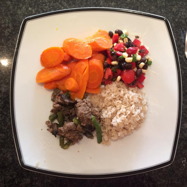 Bean Salad Tomato, black beans, corn, green pepper, olive oil  Brown rice  Beef with green beans   Glazed Carrots Carrots, coconut oil.