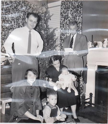 Doug & family Xmas 1954.jpg