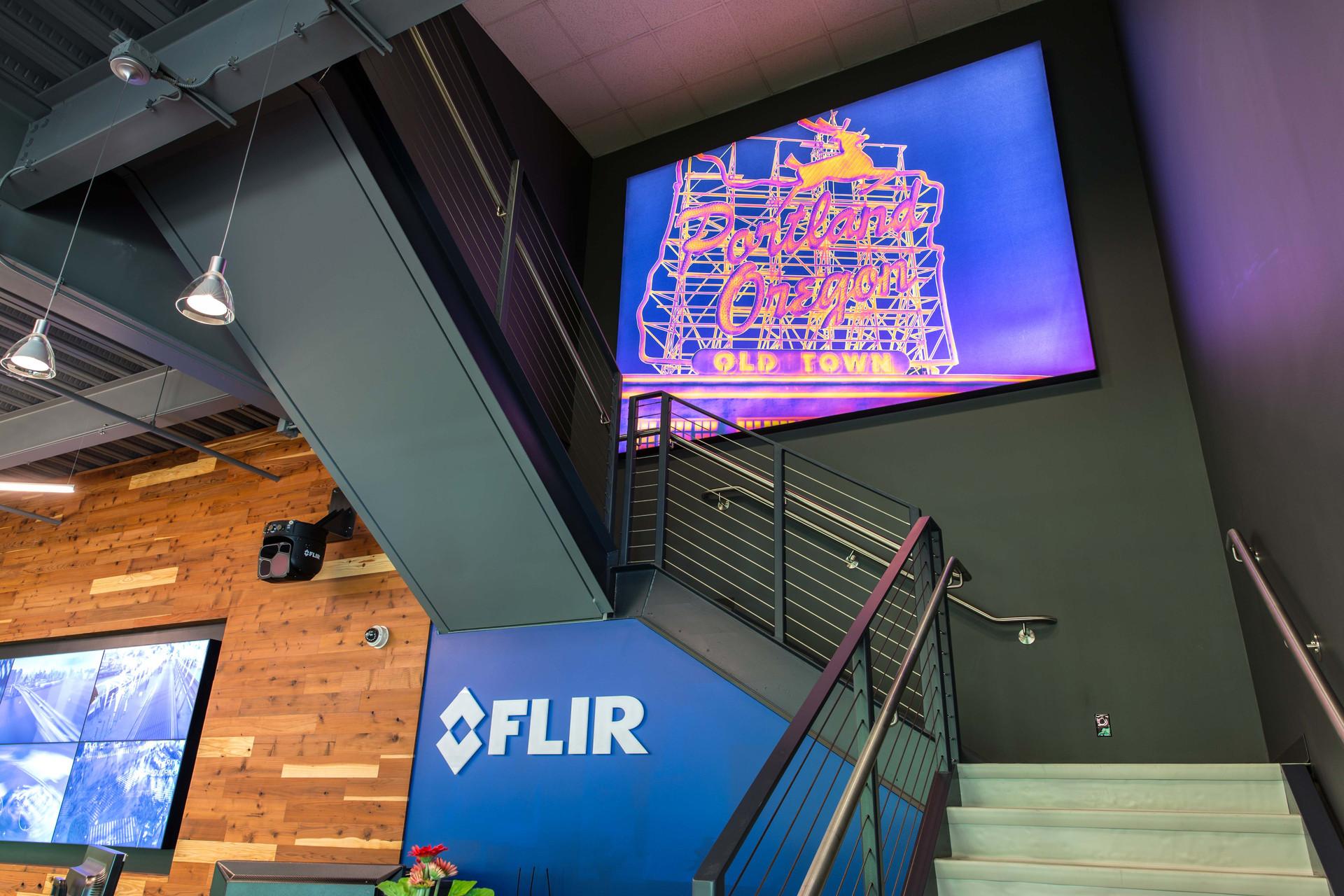 Flir_Interior_Staircase_30.jpg