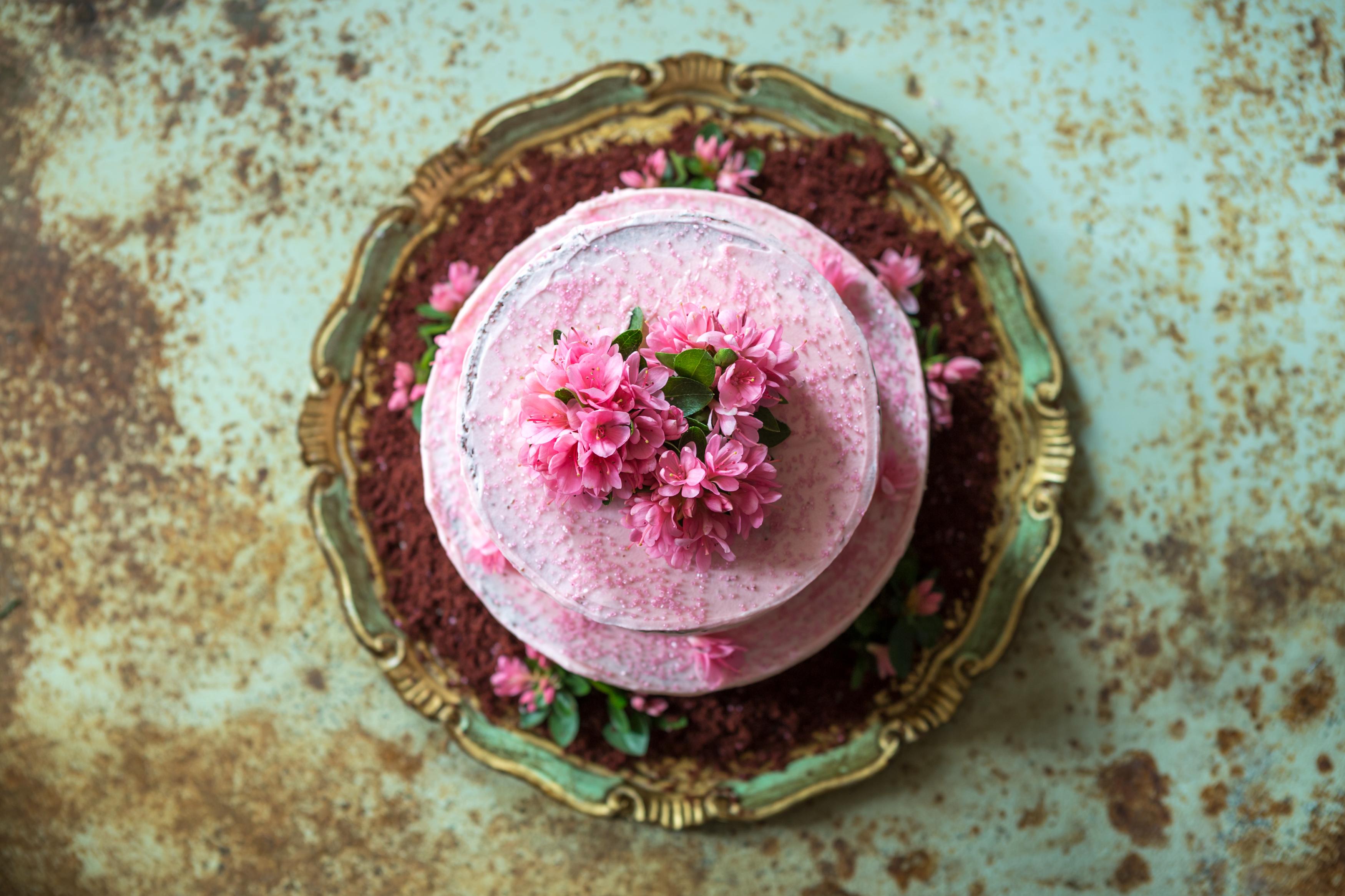 Red Velvet Cake & Azalea Flowers Miss Tortology E17 Artisan Cakes