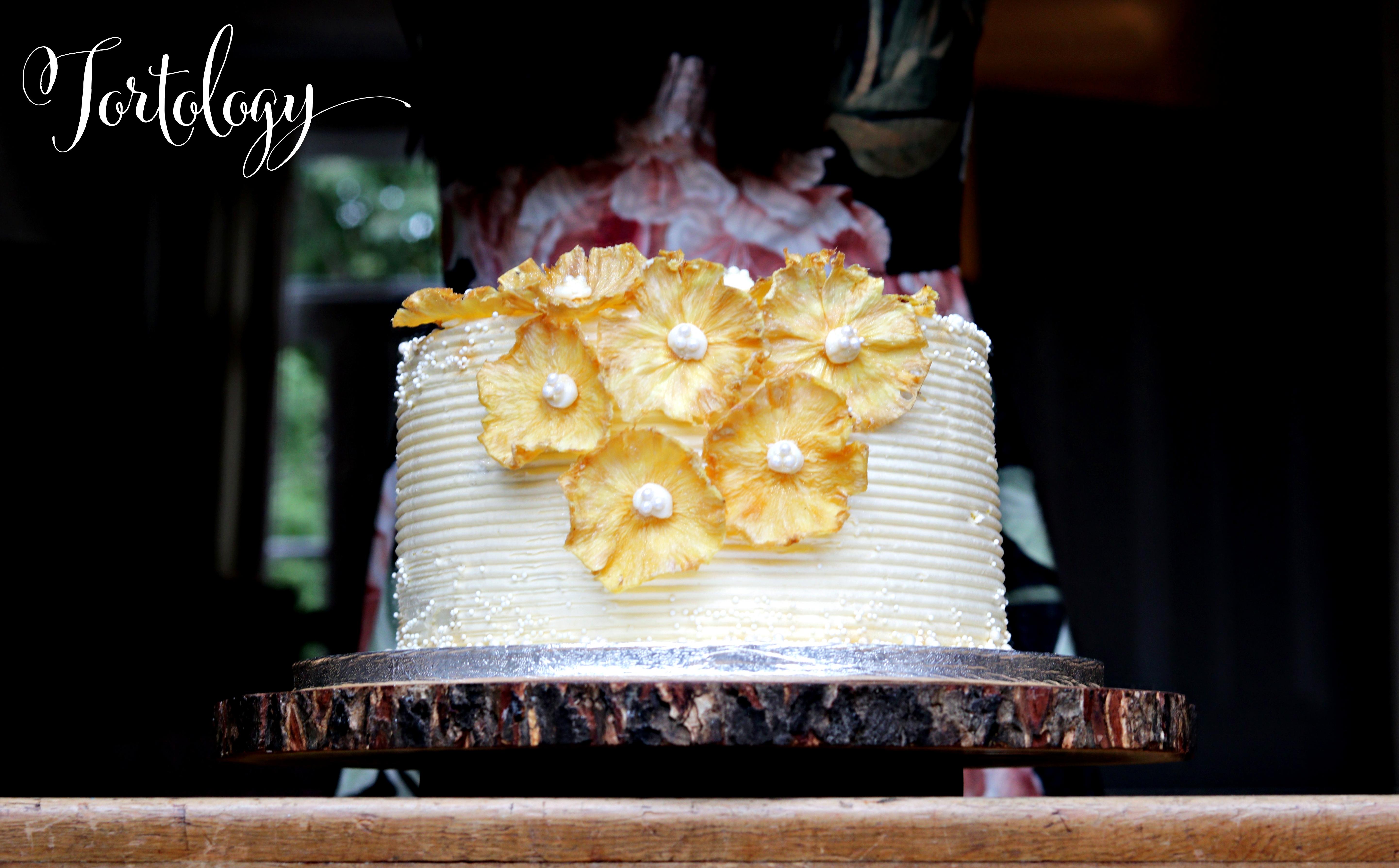 Wendy Pineapple Cake Tortology