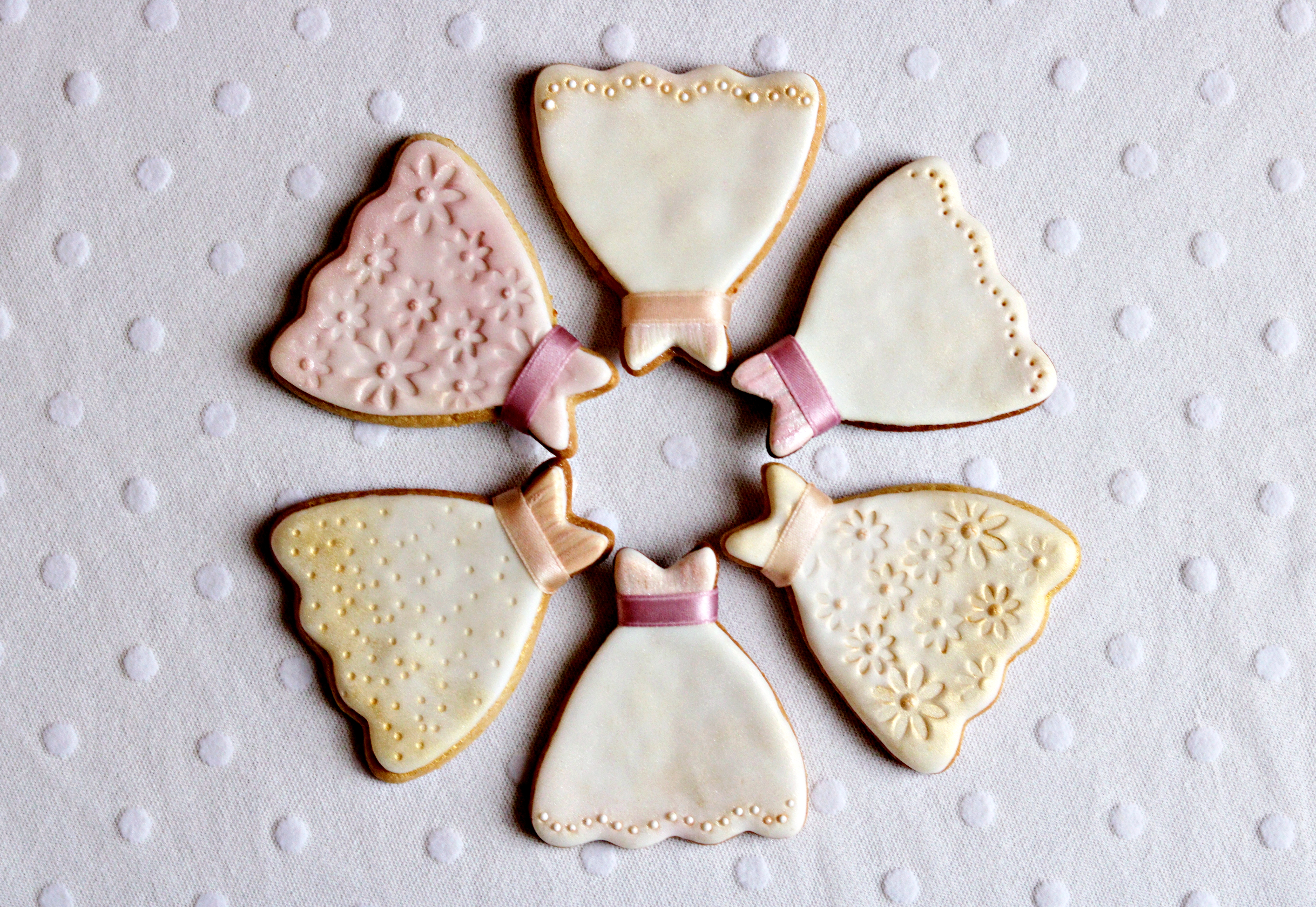 Wedding Favours Cookie Dresses in a circle Tortology