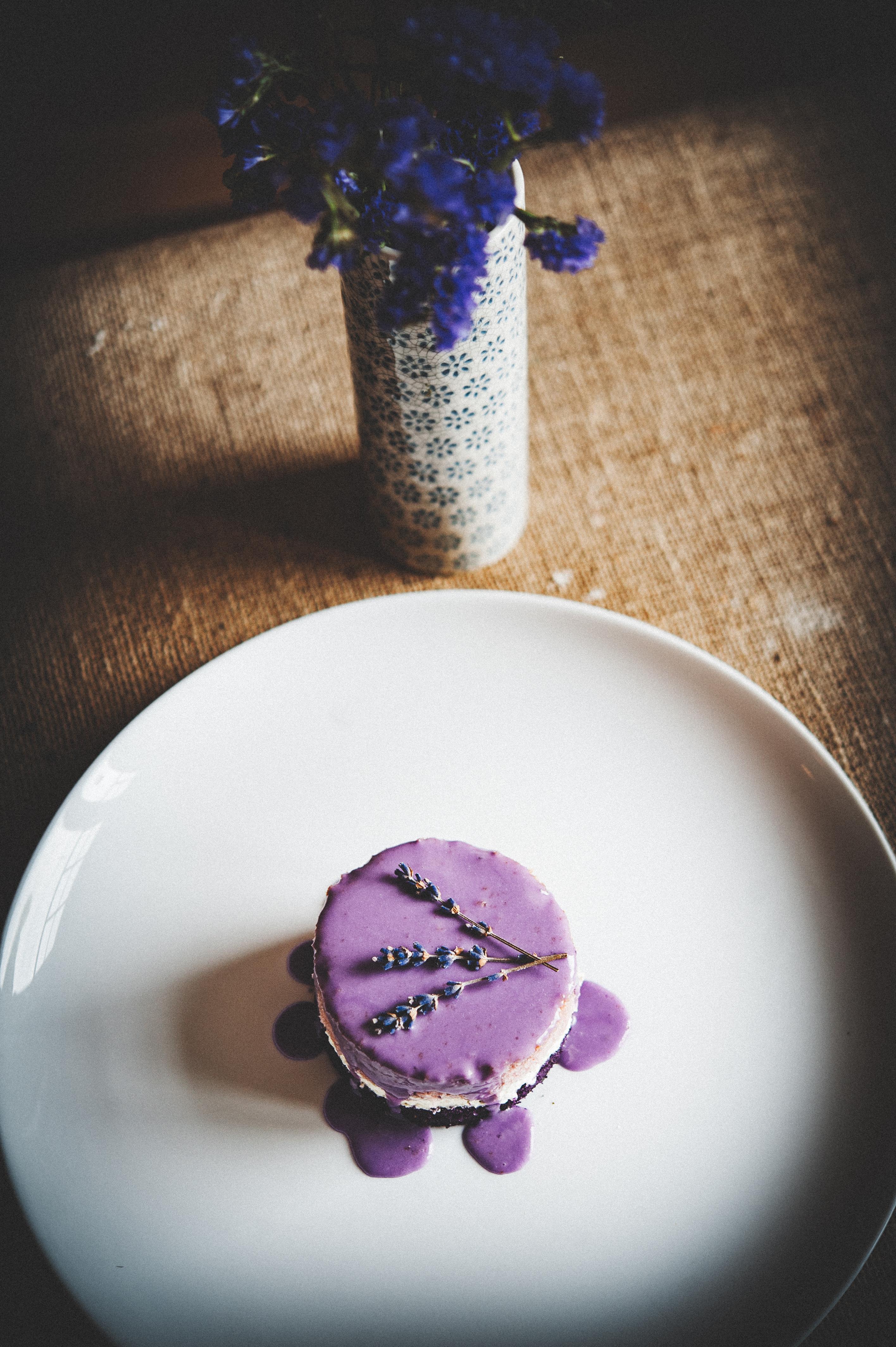 Mini Lavender Cake Tortology