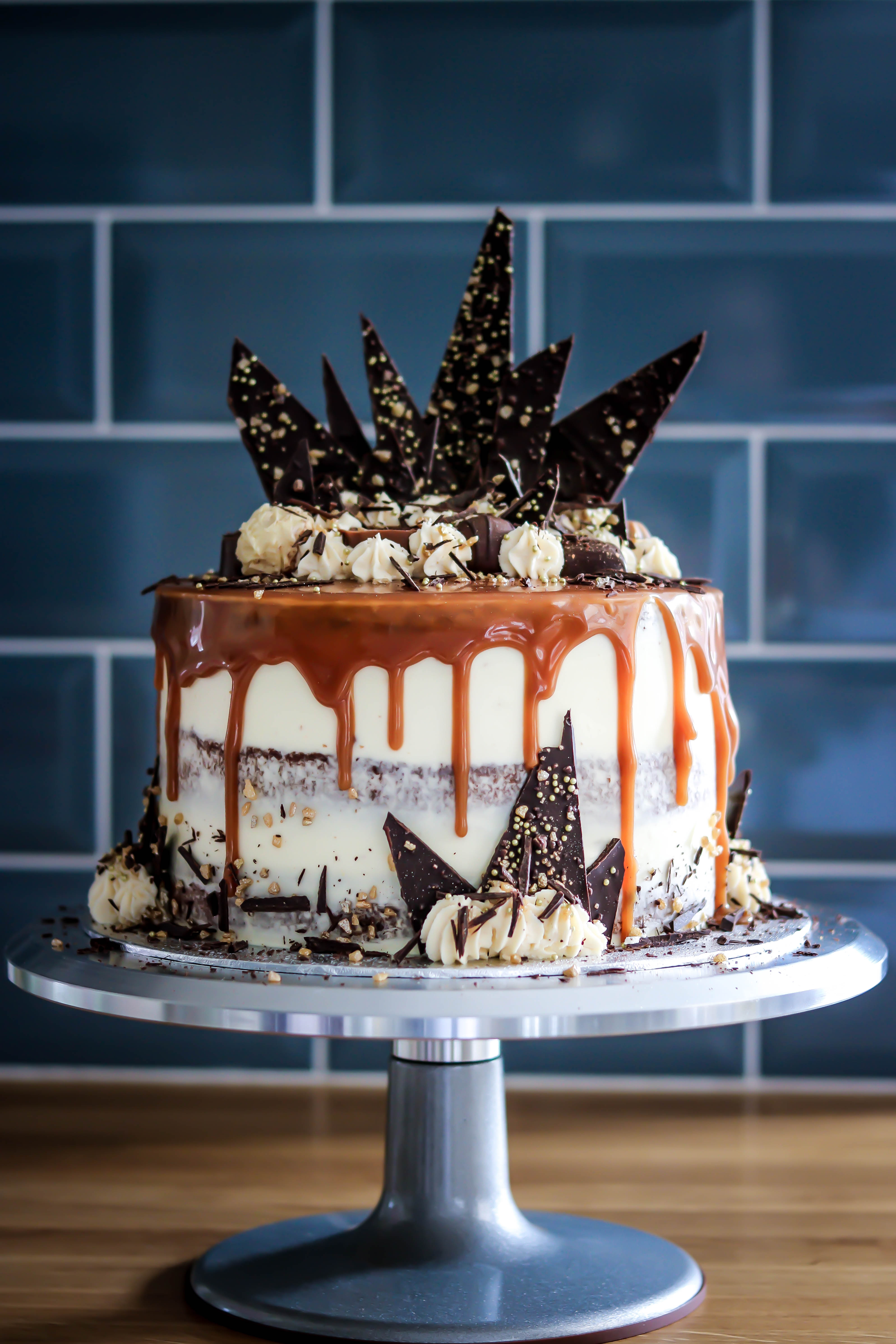 Banana Caramel Chocolate Cake Tortology