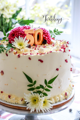 aFloral Lemon & Elderflower Celebration Cake
