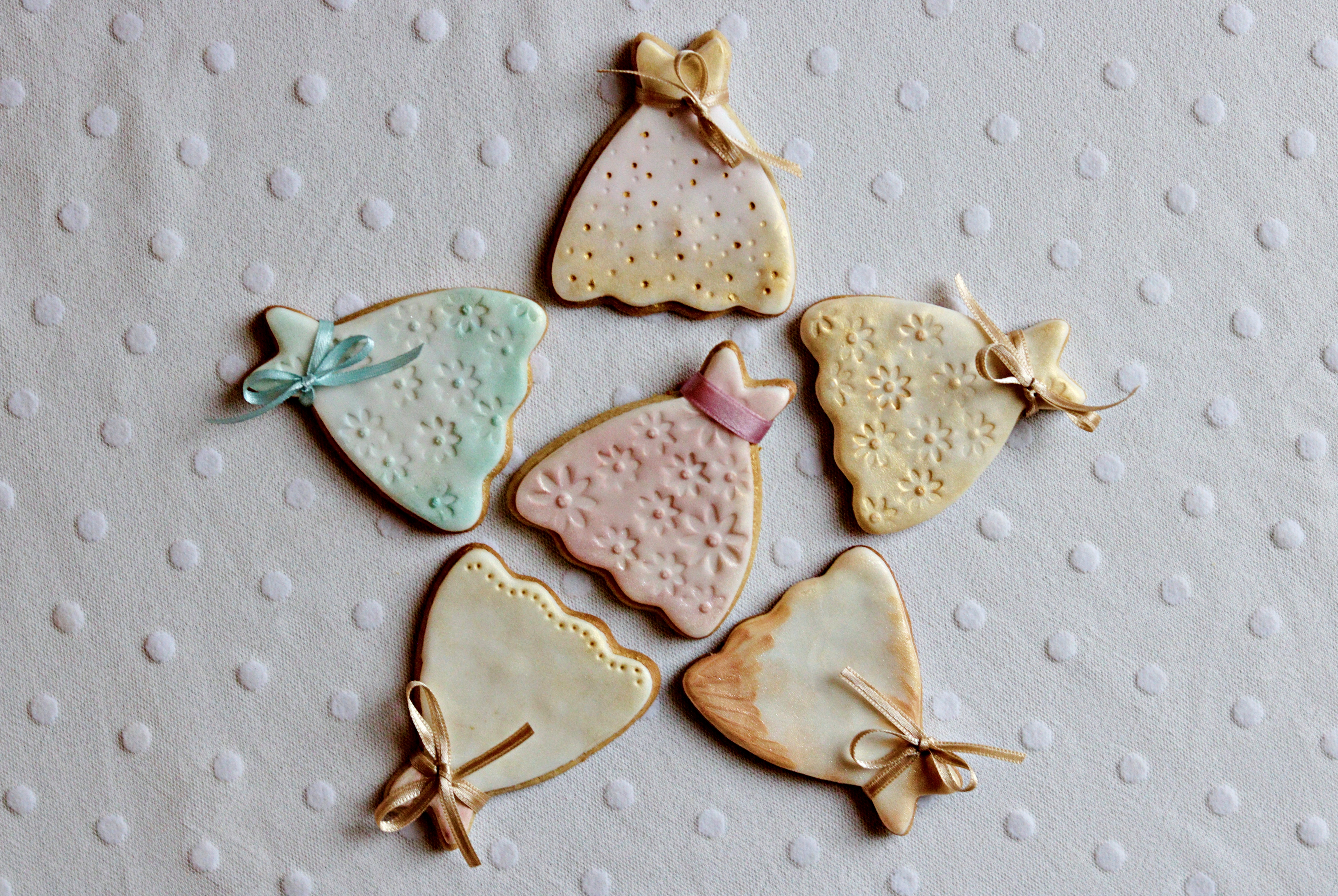 Wedding Favours Cookie Dresses in a Star Tortology