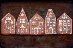Gingerbread Cookies Houses Tortology 1.jpg