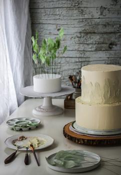 Decorating Botanical Wedding Cake. Tortology E17 Artisan Cakes London