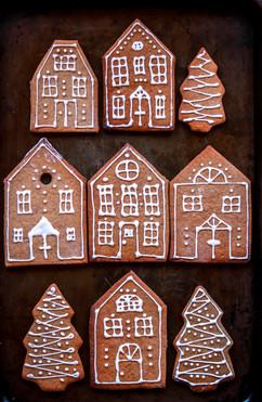 Gingerbread Cookies Houses Tortology 3.jpg
