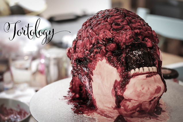 Painting the Severed Head Cakes for the JIGSAW Movie Launch on DVD & Blu-Ray