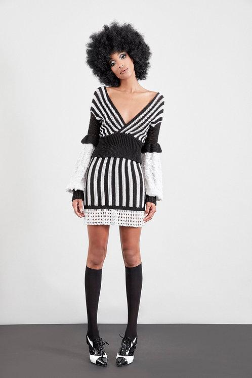 PF875K21BW.Hand crochet stripe skirt