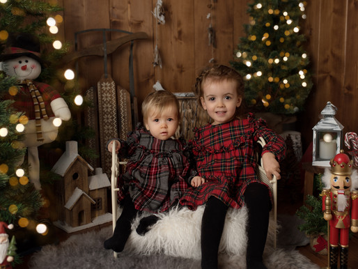 I'm delighted to announce that Christmas Mini Sessions are back!!!