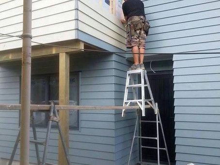 Important ladder safety tips for building inspections.