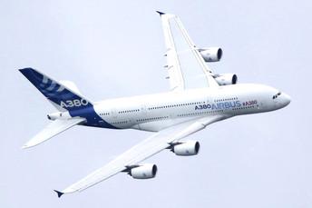 Airbus 380, factory plane
