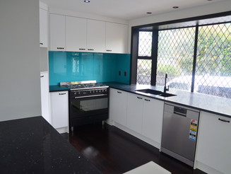 Black And White Renovation In Manukau 2017