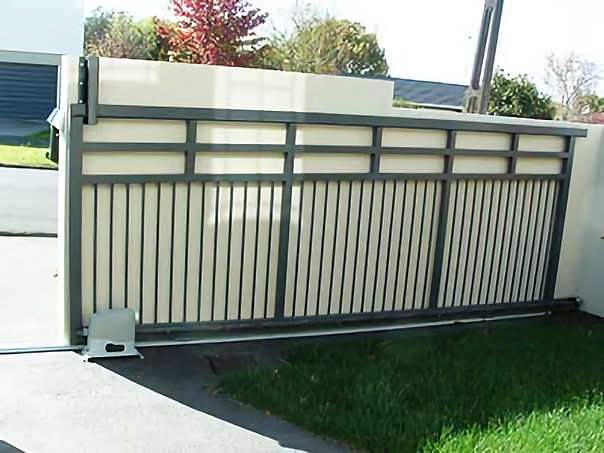 automated-aluminum-driveway-gate1.png