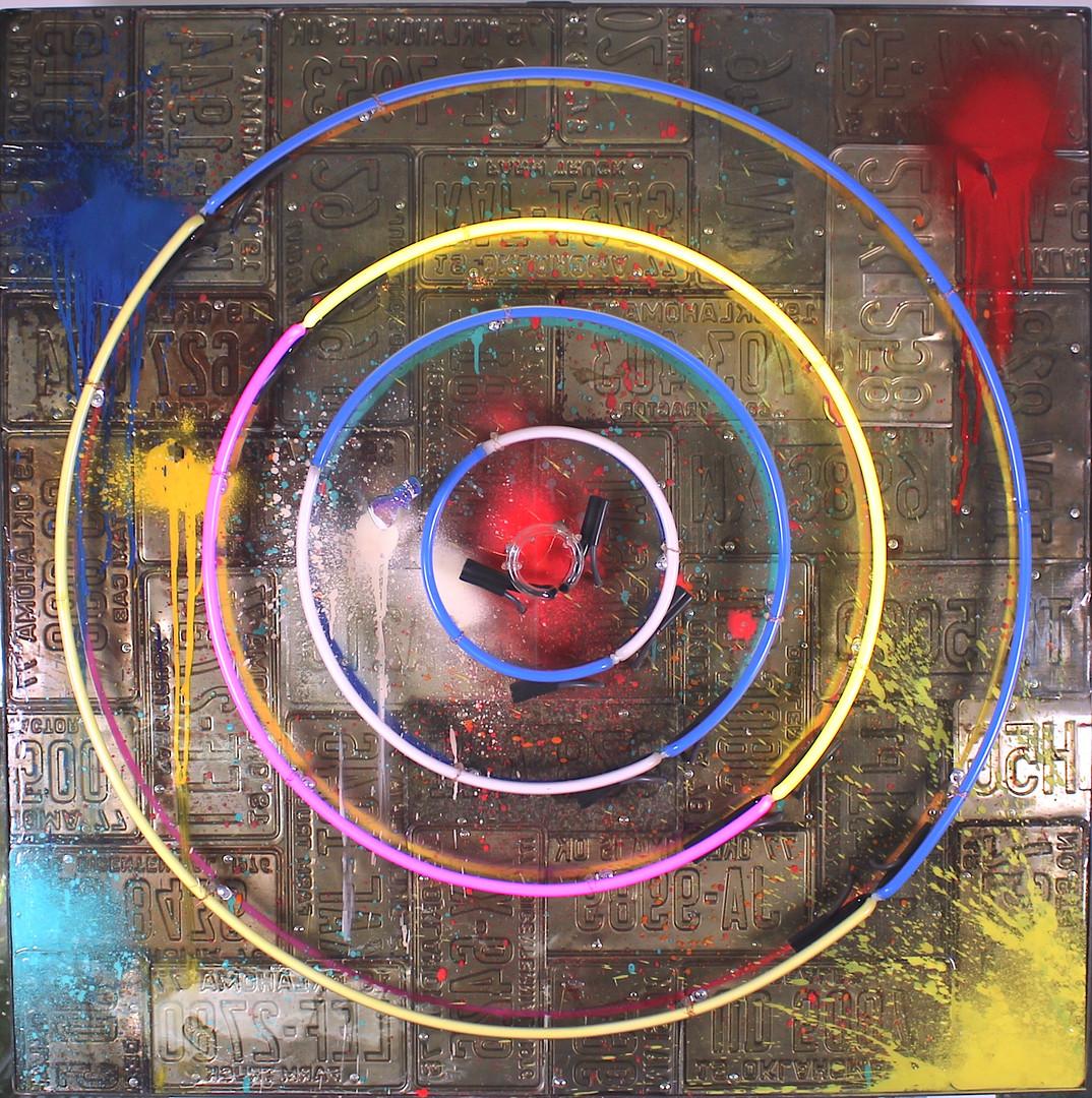 """""""Bullseye"""" Neon"""