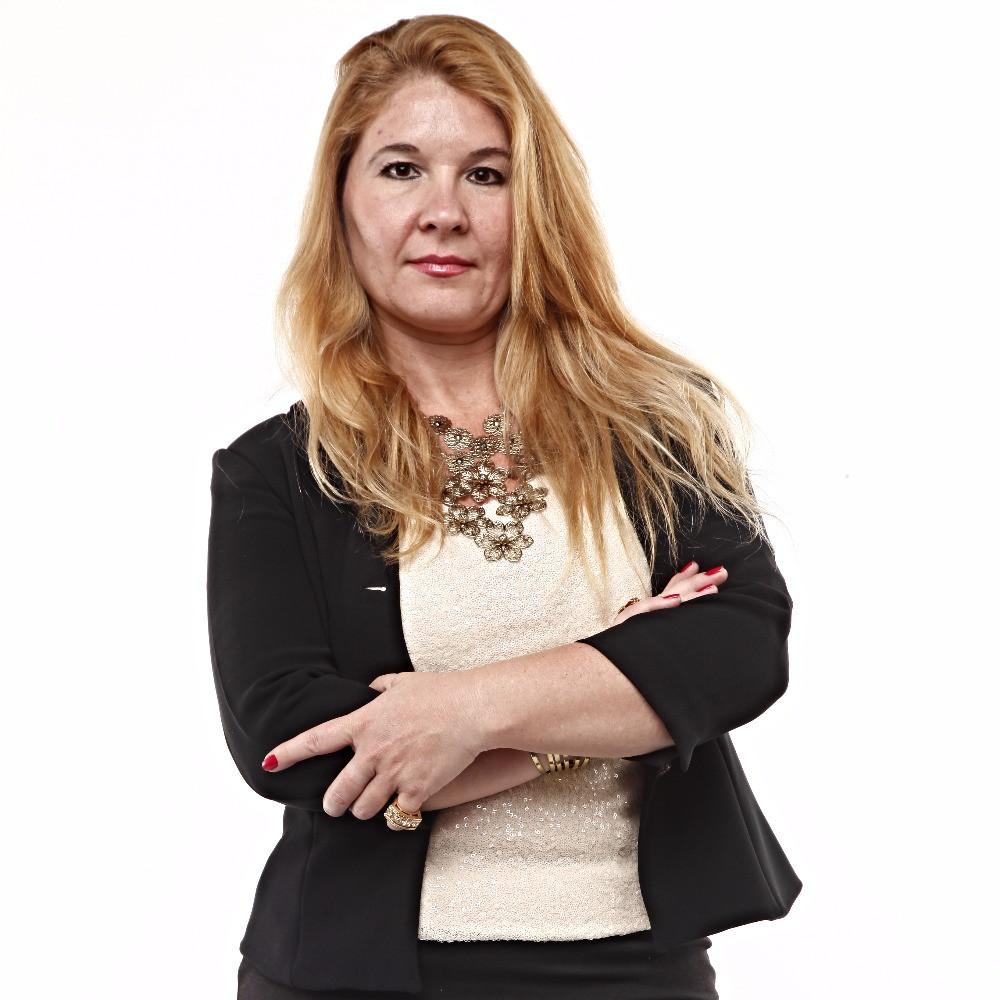 Claudia Cardillo, é especialista em Marketing. É Coaching, Palestrante e Articulista.