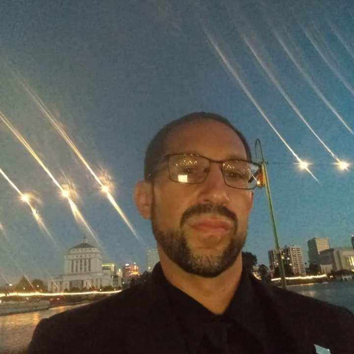 2021 - Chris Fry Lopez Bio, 2-3.jpg