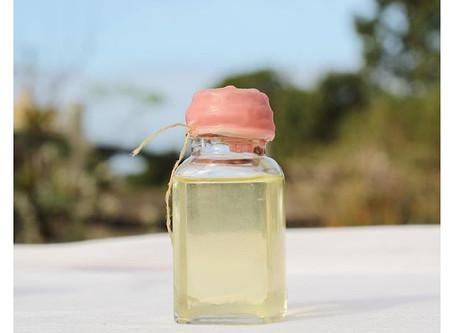 Saiba como preparar óleos corporais com efeitos terapêuticos em casa