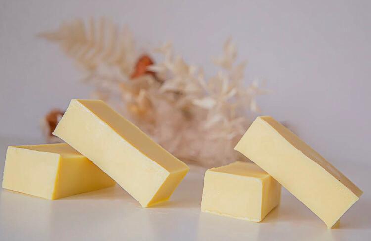 Barre hydratante au beurre de karité et à la fleur de coton