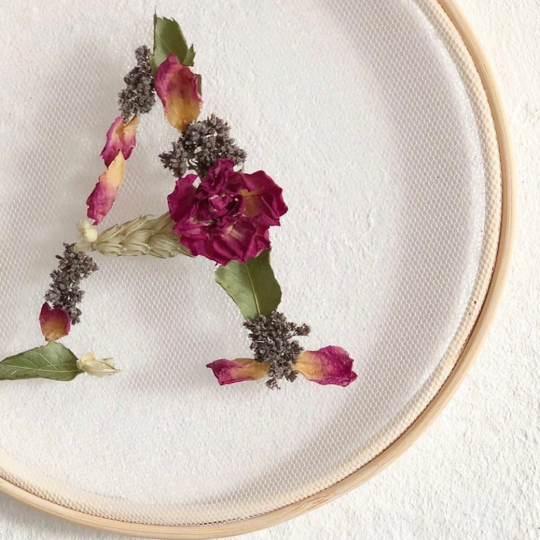 Atelier lettre en fleurs séchées