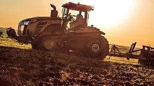 Tractor-Challenger-MT875E.jpg