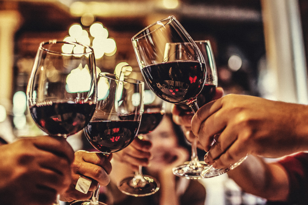 friends-red-wine-glasses