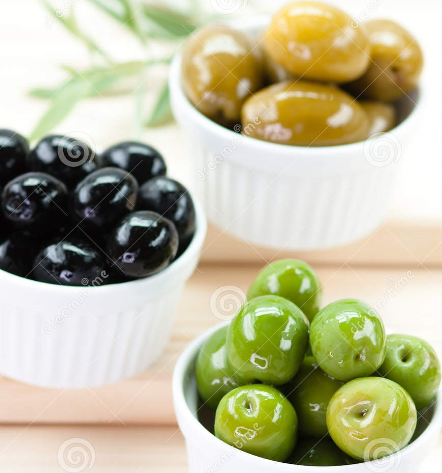 delicious-mix-greek-olives-30139379