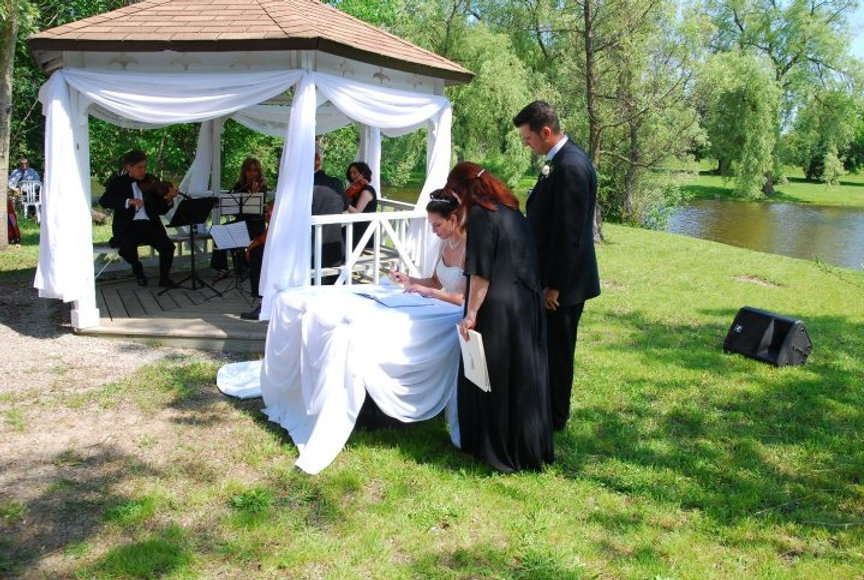 Artelli-@-wedding.jpg
