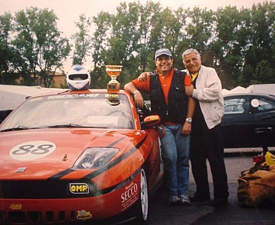 Mitica Vittoria con la Fiat Coupè di Adolfo, qui con Renzo