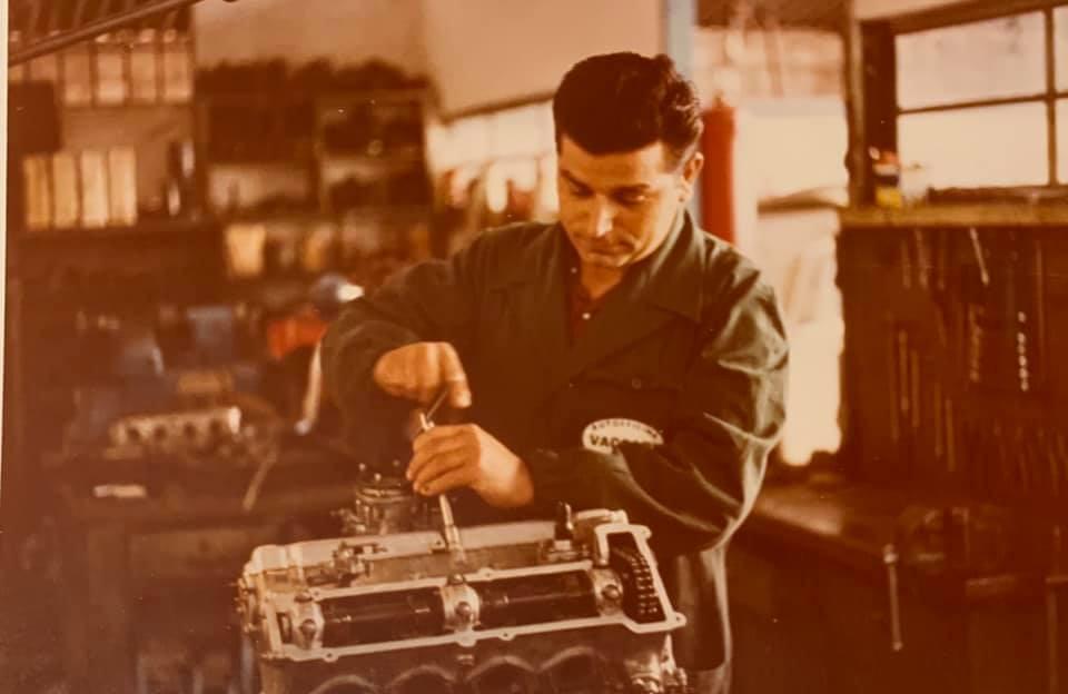 Renzo Vaccari revisiona un bel V8