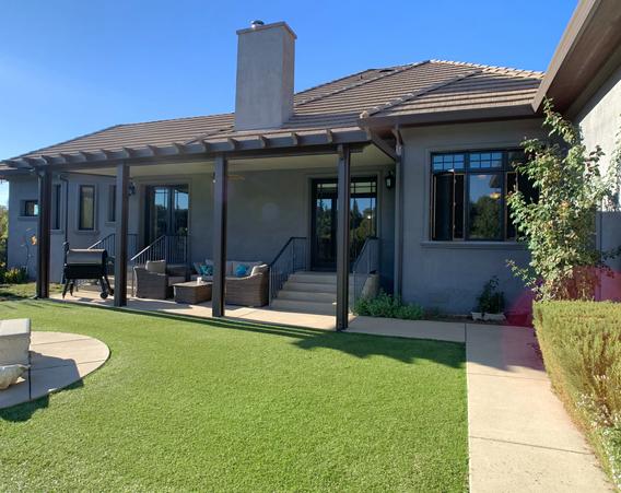 Backyard / Outdoor seating
