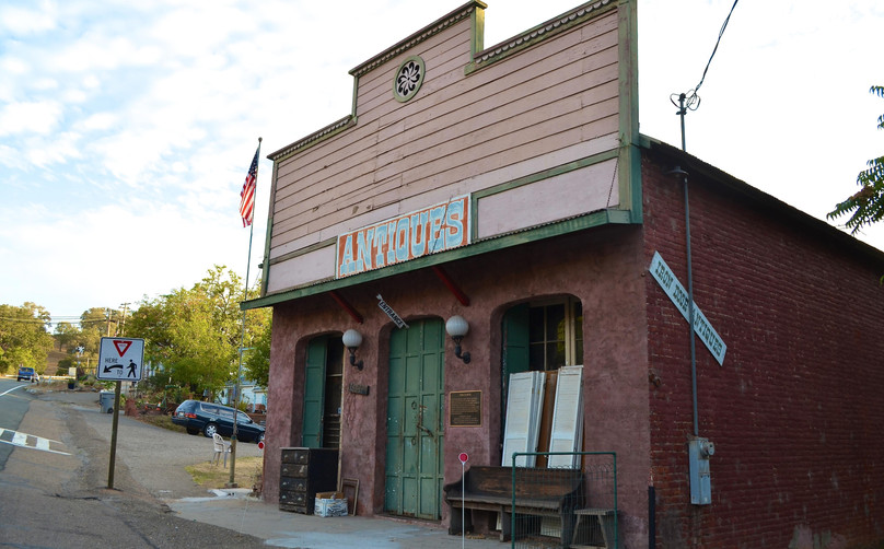 Local Antique shop in Drytown