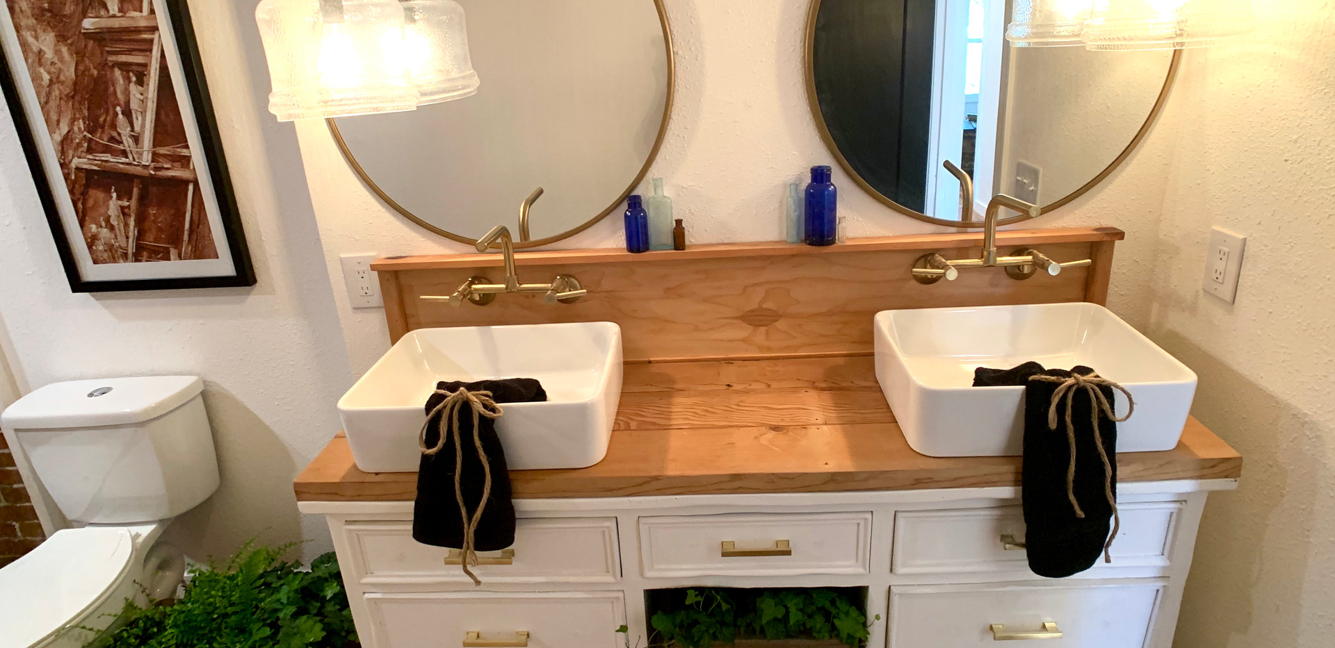 Custom Vanity in second bathroom