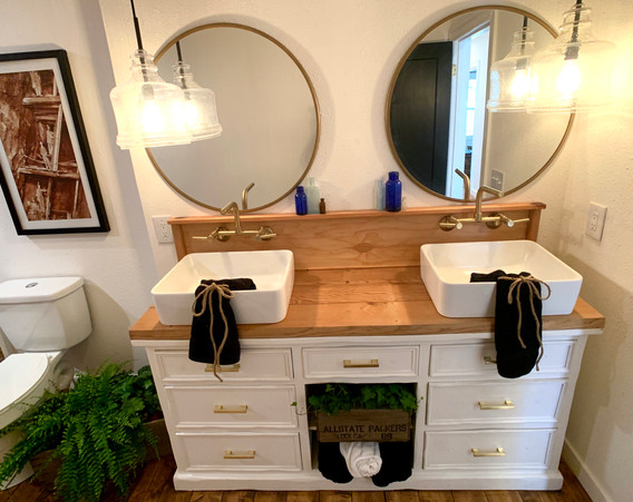 Custom Vanity in second bathroom
