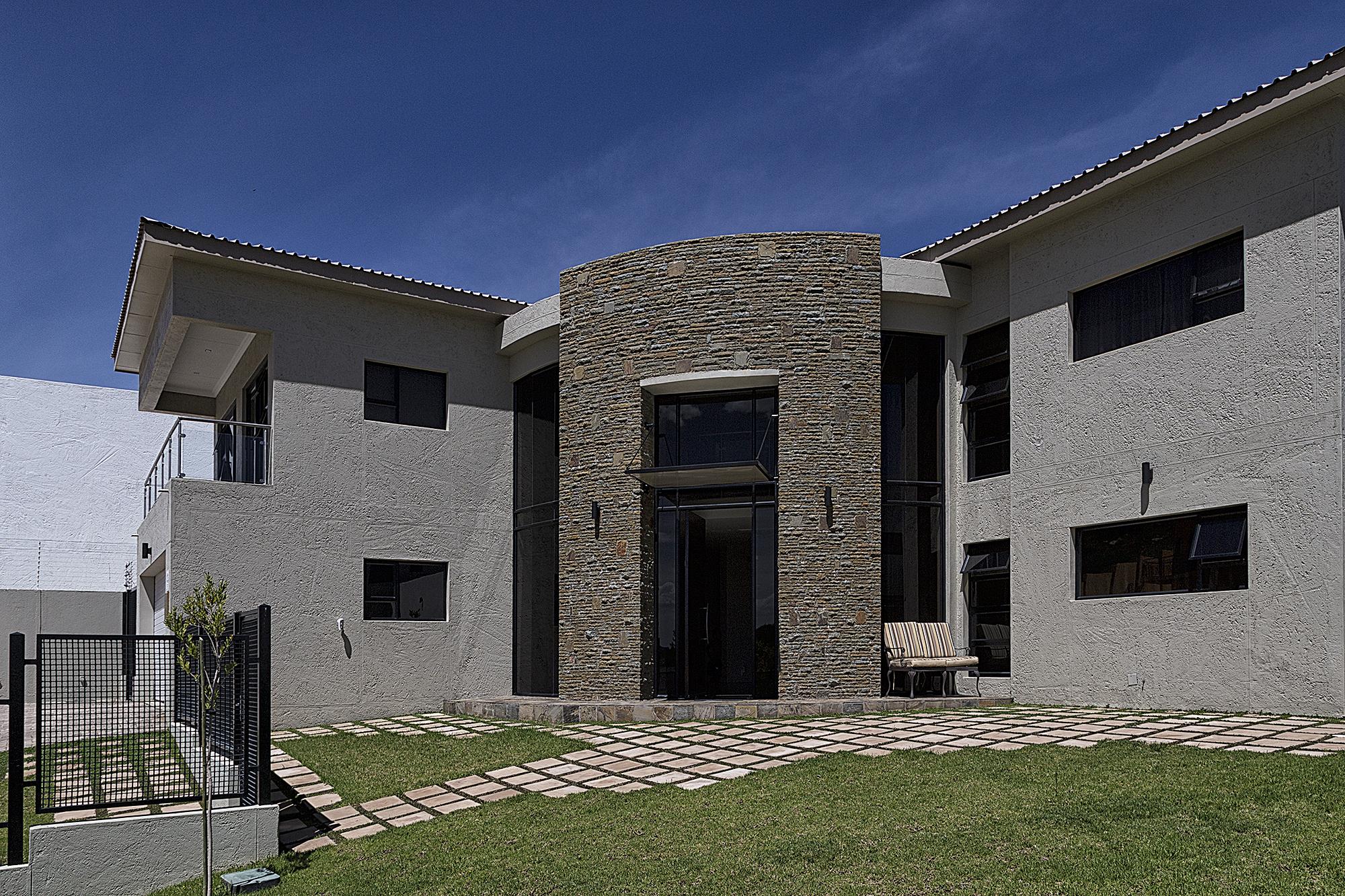 HOUSE MUNGUNDA