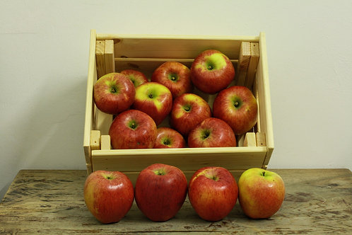 Apples - org (£3.60/kg)