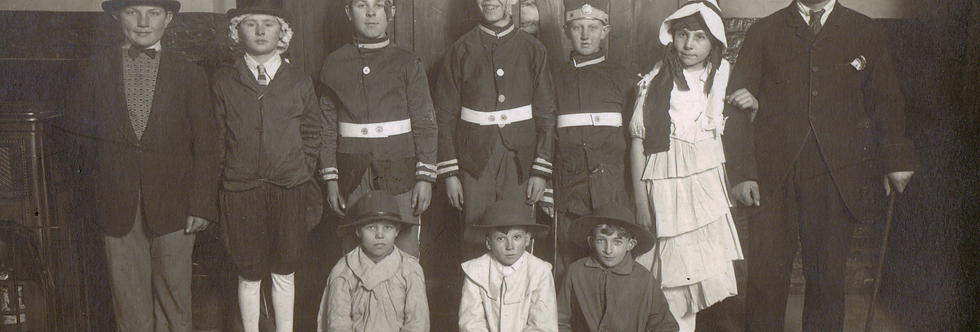 Children at Eydon School in the late 1920s