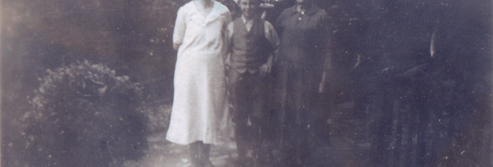 Three generation of the Gubbins family at Eydon in the late 1920s
