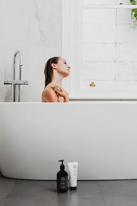 Skin_Trade_White_Bathroom-4894-Edit.jpg