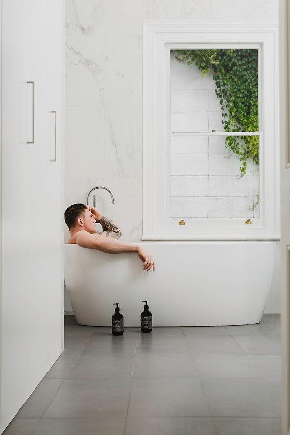 Skin_Trade_White_Bathroom--2.jpg