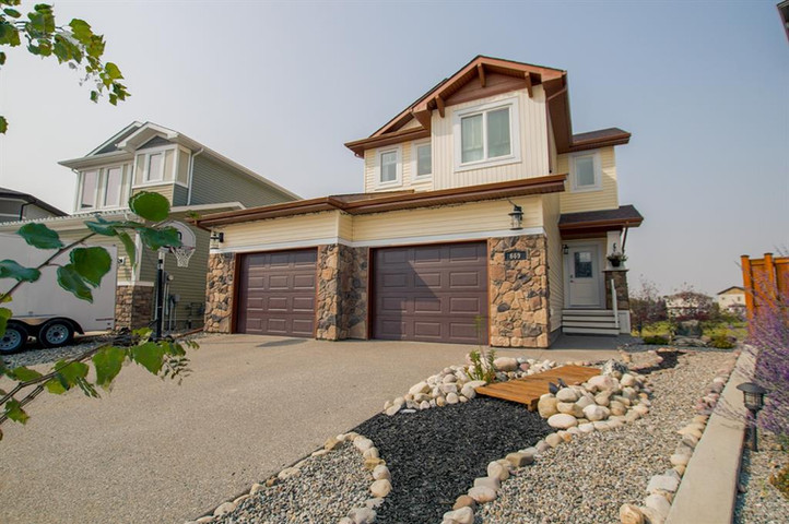 669 Twinriver Cres