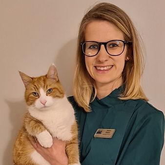 Helen Baker BVSc PG Cert. SAM MRCVS Advanced Practitioner in Small Animal Medicine
