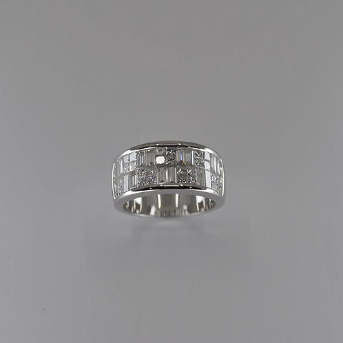 S1732 18ct White Gold Princess and Baguette Diamond Ring