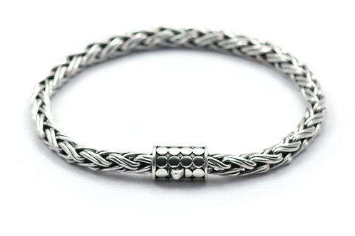 Indiri B818 SOHO Sterling Silver Woven Square Nadi Bracelet