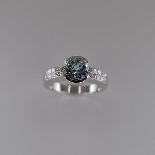 JOHAQ2 18ct White Gold Aquamarine and Diamond Ring