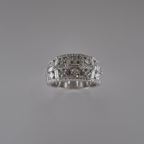SC1108 18ct White Gold Brilliant, Princess and Baguette Diamond Ring