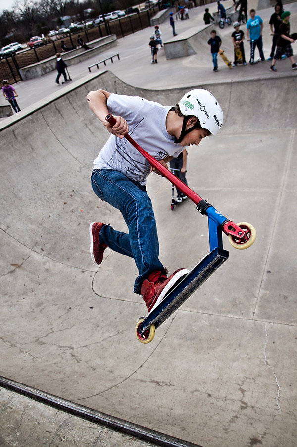 Scootering_in_bowl_5308490360_35082abb76